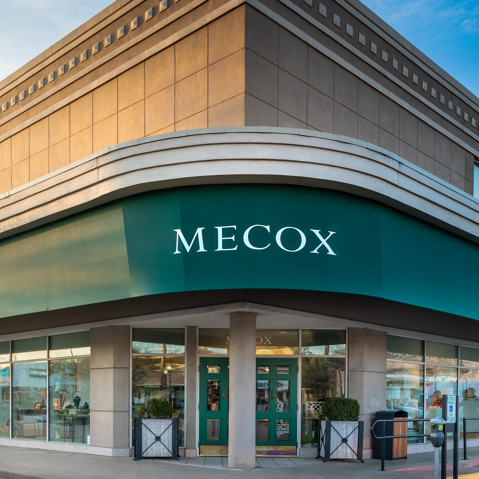 mecox furniture houston
